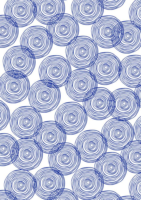 Weißes Geschenkpapier mit blauen Kreisen